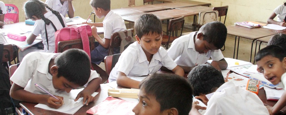 Ministry rings the bell for absent schoolchildren