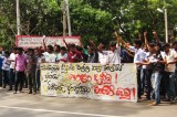 Satyagraha attackers still at large while  students go  on own rampage