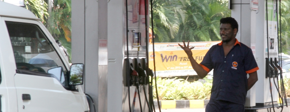 Transport fares slow to follow fuel price cuts