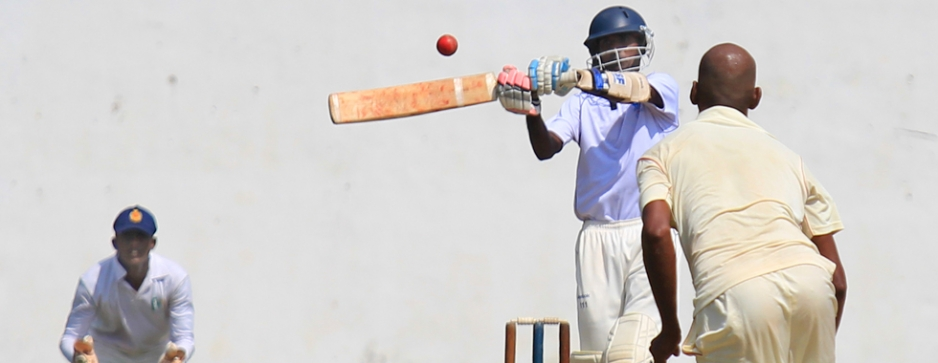Tharindu, Manjula score tons as Police pile up 500/9