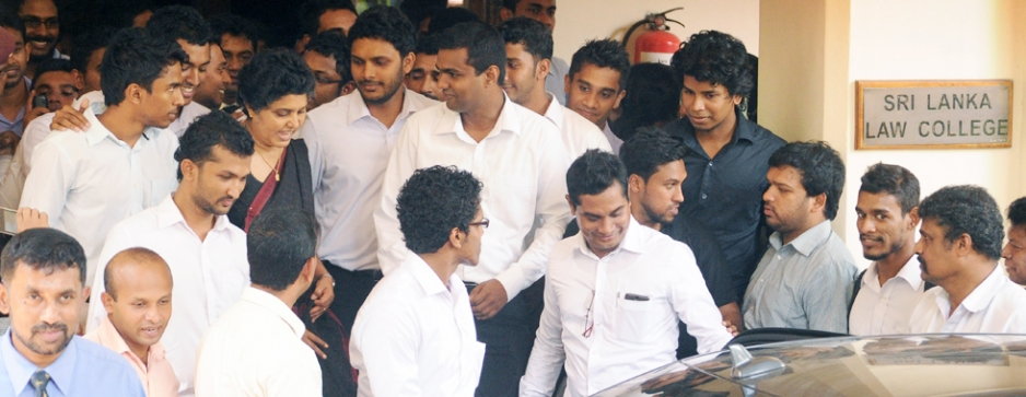 Law College students miss lectures demanding talks with Justice Minister