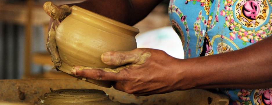 Potters and shoppers get ready for Avurudu