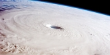 Super Typhoon Maysak weakens but  thousands being evacuated in Philippines