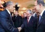 Obama, Castro shake hands at historic summit