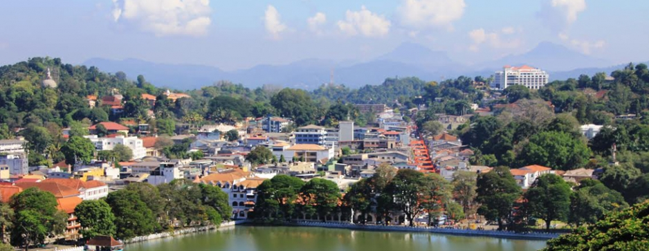 Tube under Kandy Lake to ease traffic above?