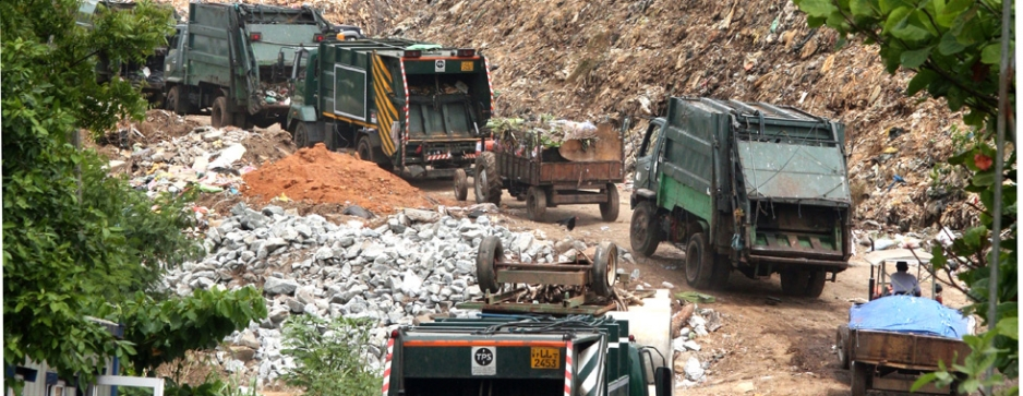 Environmentalists derail garbage train to Aruwakkalu