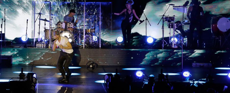 Iglesias concert  still rocking Colombo
