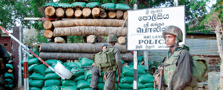 Launch full probe on massacre of the 600 policemen