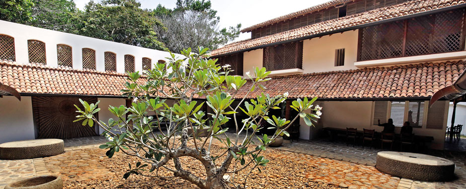 The house that bawa built that bawa trust rebuilt the for Courtyard designs in sri lanka