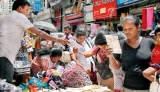 Govt. to crack down on hawkers in Colombo city