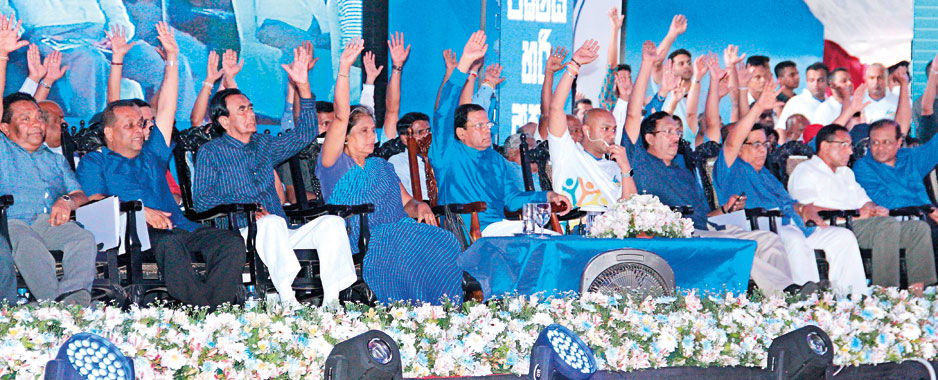 President Sirisena changes approach and holds out hand to dissidents