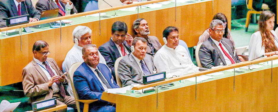 Sirisena seeks world support to make SL exemplary democracy