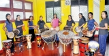 Giving pulse to female drummers