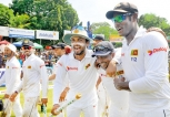Lankans must stay positive says manager Fernando