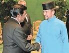 Nimal Weeraratne presents credentials in Brunei