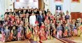 Malaysian children say 'selamat datang'