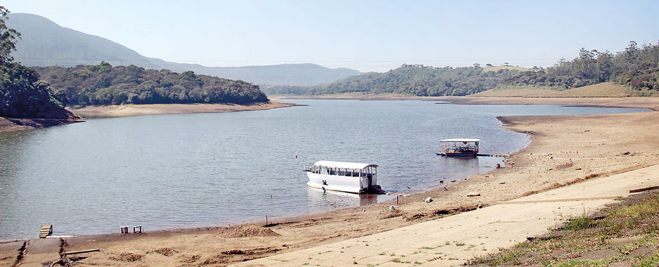 Drought in Nuwara Eliya wreaks havoc among farming community