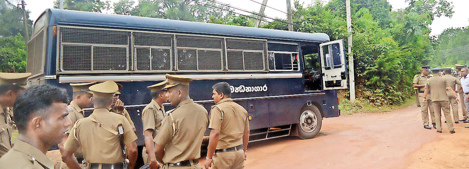 Kalutara assassins pounced when cops allegedly held back prison bus protection