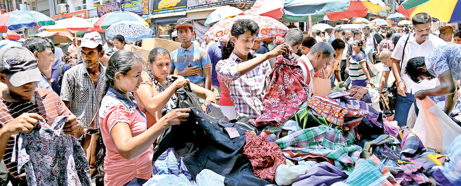 Pettah businesses await more New Year shoppers