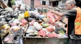 Even more garbage  piles up on streets