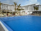 Enjoyable, carefree stay at a modern beach hotel