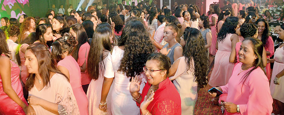 'Glittering Chandeliers:' A night for Air Force ladies