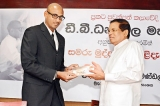Don't protect corrupt politicians and sing their praises, President Sirisena tells journalists