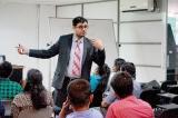 Pakistani expert conducts whorkshop on data journalism at SLPI