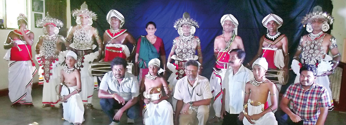 A master laments the decline of Kandyan dance