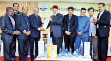 Senior journalist Latheef Farook honoured with Siddi Lebbe award