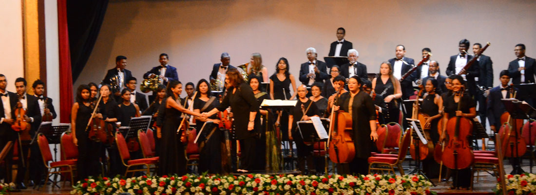 A mature orchestra complemented by the relaxed technique of piano soloist