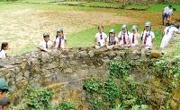 Students of Dhammananda M.V., Kirama visited the Katuwana Dutch Fort