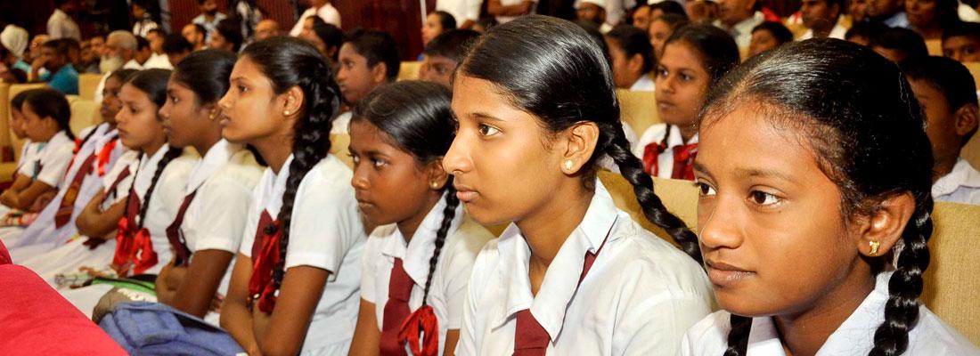 60,000 schoolchildren receive educational aid from Zam Zam Foundation