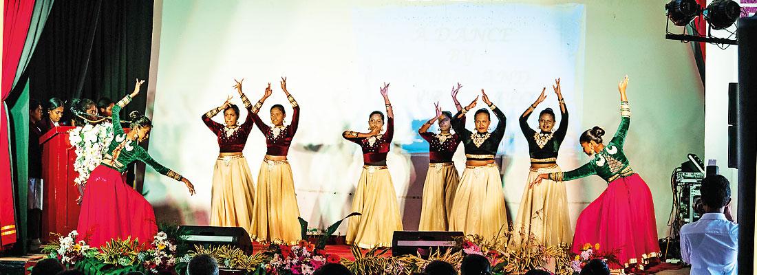 Sri Sumangala Balika Maha Vidyalaya – Annual Prefects' Day 2019