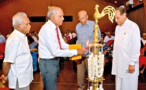 Launch of Nihal Seneviratne's memoirs in Sinhala