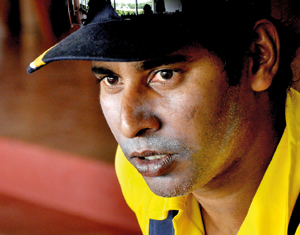 Legendary Vaas urges batsmen to come out of fear factor