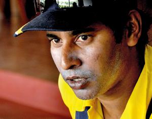 Legendary Vaas urges batsmen to come out of fear factor