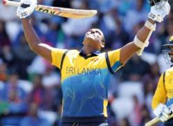 India beat Sri Lanka effortlessly; Sharma hits fifth WC ton