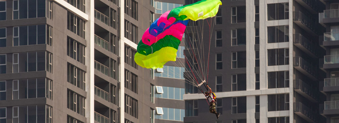 Daring hero crashes to death in parachute tragedy