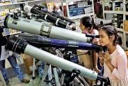 Fun with telescopes at the Book Fair