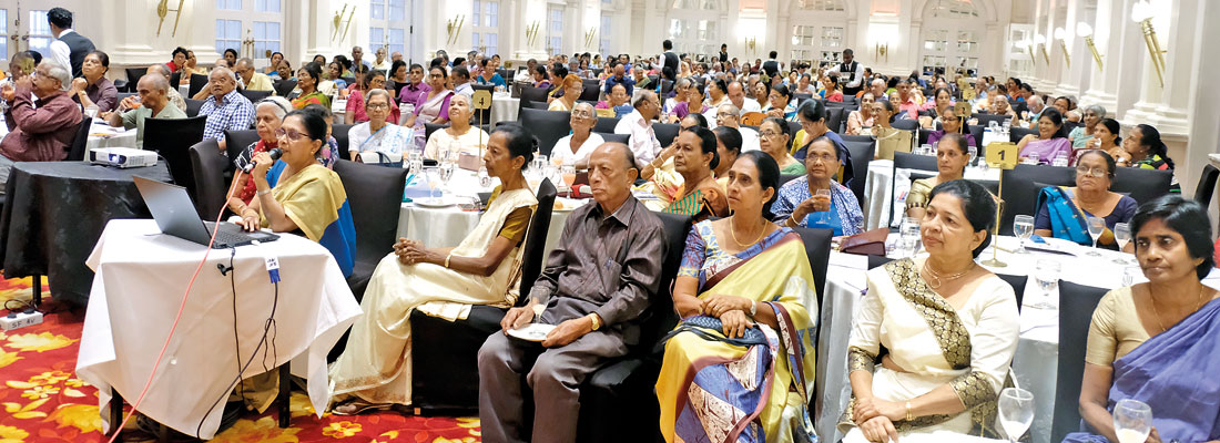 Royal College teachers felicitated