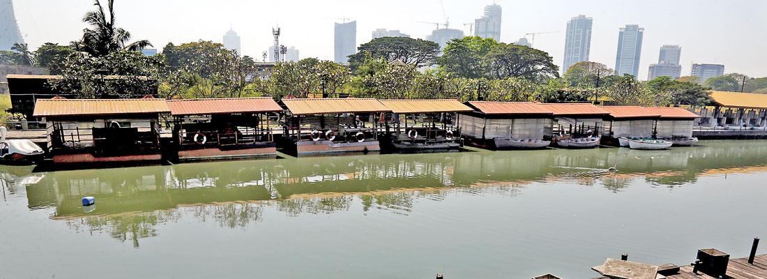 Colombo's dilapidated floating market