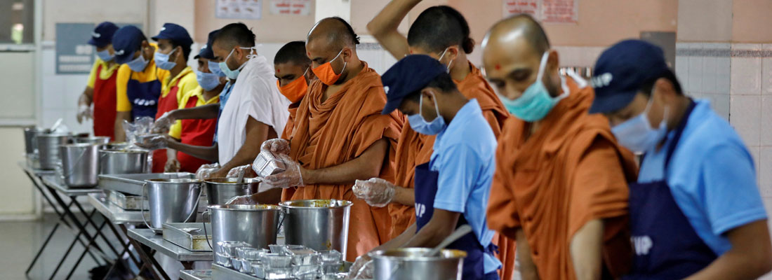 Indians pitch in to feed the hungry in coronavirus lockdown