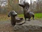 Everybody loves these statues