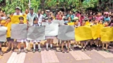 Parents on protest in Tissamaharama