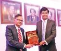 Colombo University alumni felicitates Education Minister