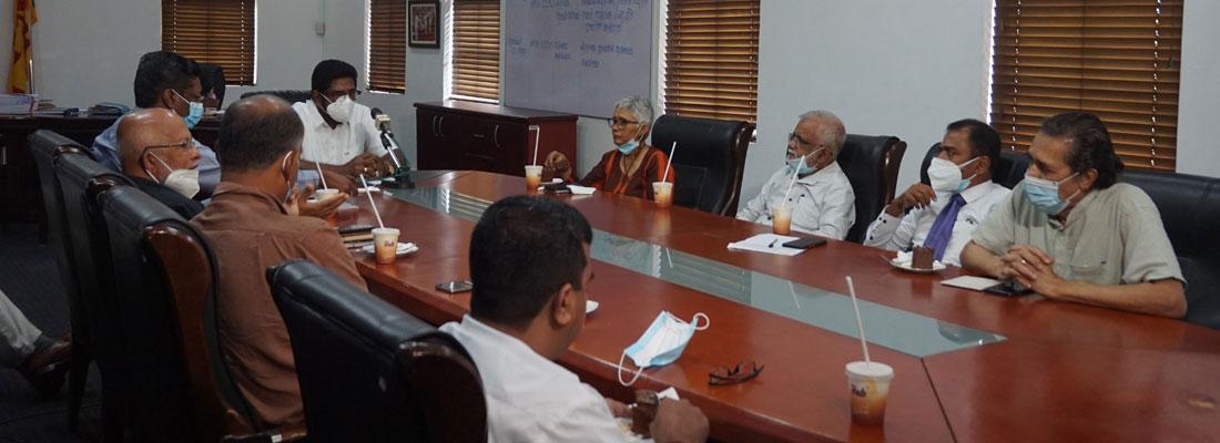 SLPI, media organisations meet media minister