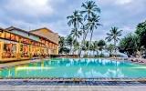World tourism begins baby steps  again after trillion-dollar losses