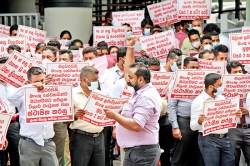 Protesting Bank of Ceylon employees