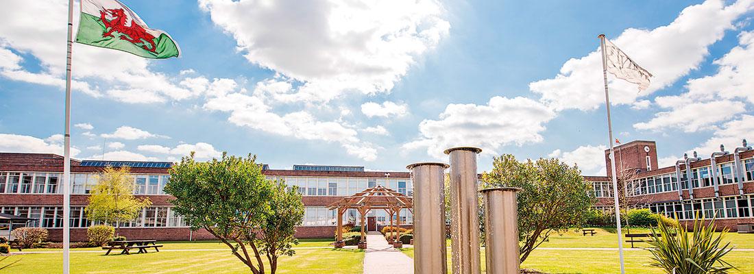 Wrexham Glyndwr University – ideal location, vibrant culture and community!